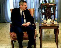 Katar ve Irak büyükelçileri merkeze çekildi