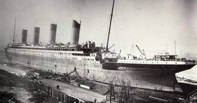 Dünyanın en büyük gemisi Titanic battı