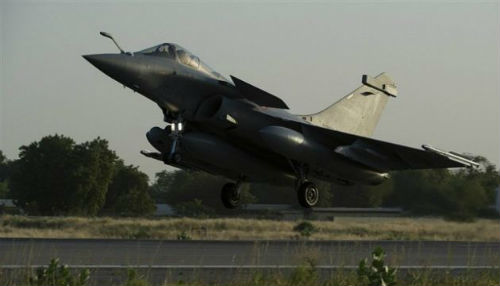 Kanada Putin'e savaş uçağı ile cevap verdi
