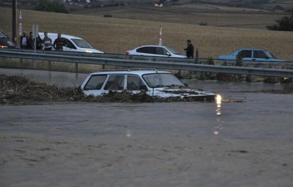 Meteoroloji'den 'sel baskını' uyarısı