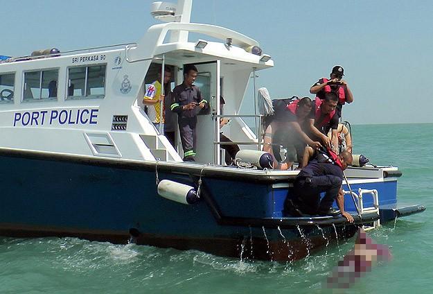 Göçmen teknesi battı: 42 kişi kayıp