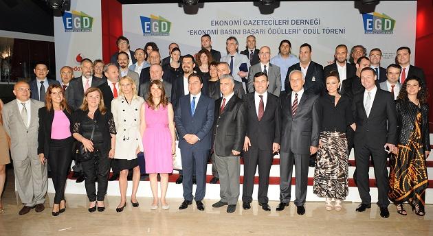 Ali Babacan, EGD'de ödül dağıttı