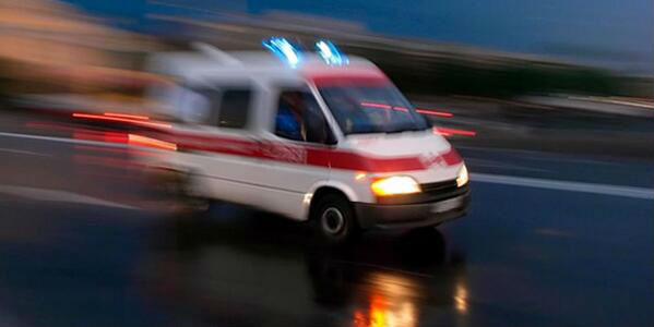 Halk otobüsü ile kamyonet çarpıştı: 15 yaralı
