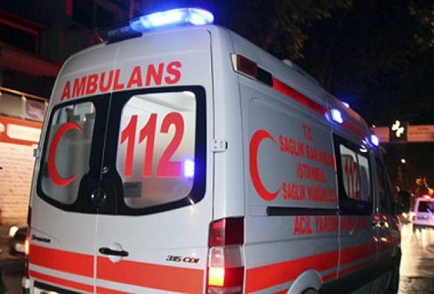 Silivri'de yük treni kamyona çarptı: 1 yaralı