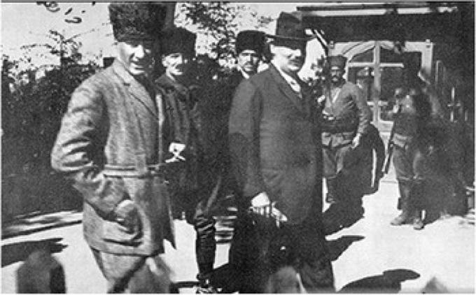 Fransızlar Anadolu'dan çekilmeyi kabul etti (1921)