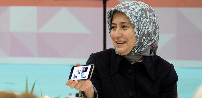 Sare Davutoğlu, toplantıyı bıraktı doğuma gitti