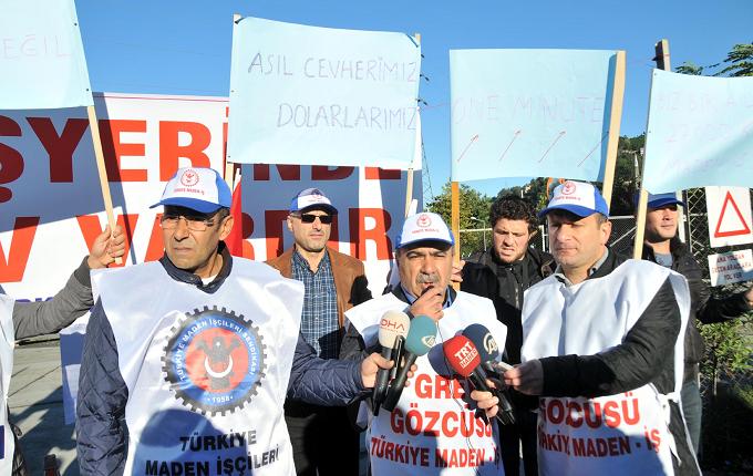 Maden işçileri greve çıktı