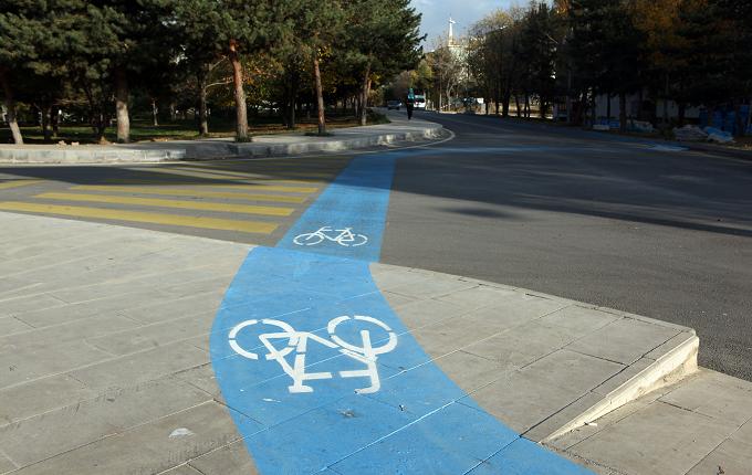 Şehirlere bisiklet yolları geliyor