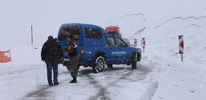 Doğu Karadeniz'de kar yarım metre