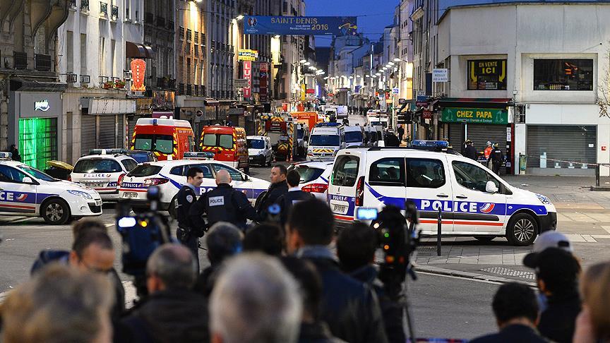 Fransa'nın başkenti Paris'te tiyatrolar işgal edildi