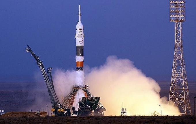 Uzaya 6 uydu birden gönderdi