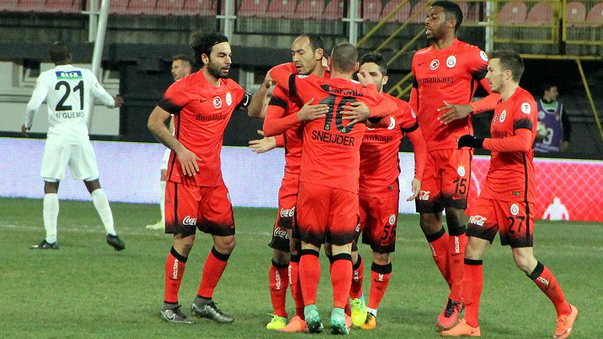 Galatasaray, Akhisar'ı 2 dakikada bitirdi