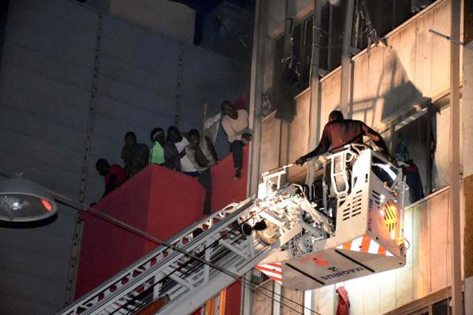 İstanbul-Fatih'te yangın: 5'i ağır, 10 yaralı! (Foto-Video)