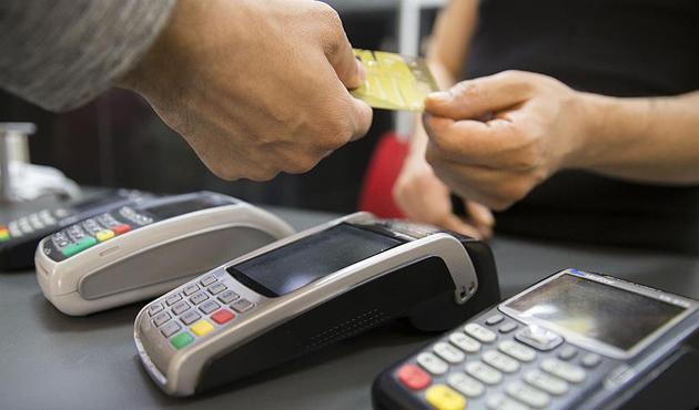 Her 10 kişiden 7'si kredi kartını ödeme aracı olarak görüyor
