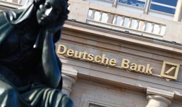 Deutsche Bank hızla küçülüyor